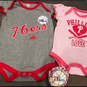 ⚾️  Philadelphia 76ers & Phillies girls 3-6 mo 🏀